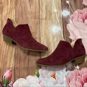 Kenneth Cole Reaction Suede embroidered booties